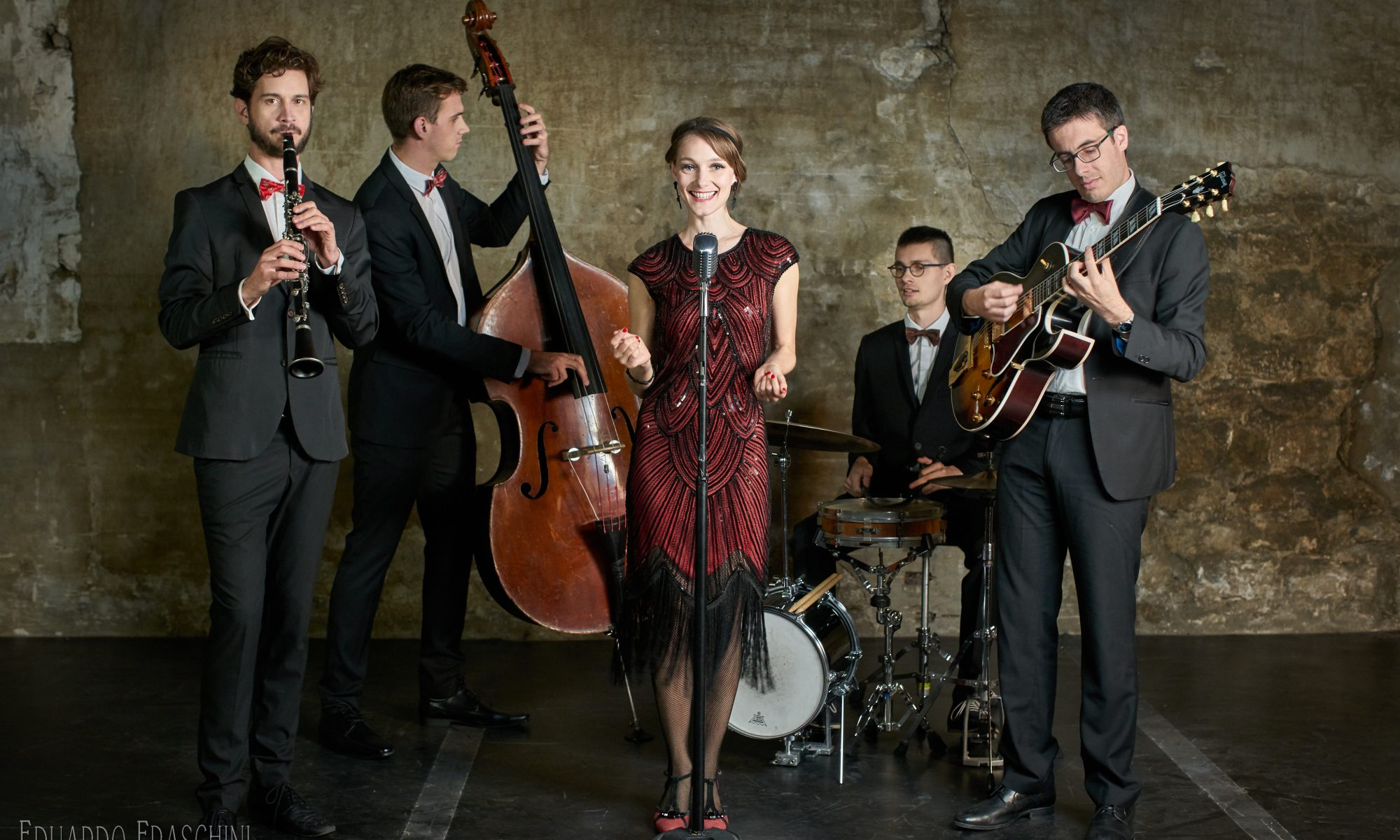 Clara & the Scarlet Swing Band